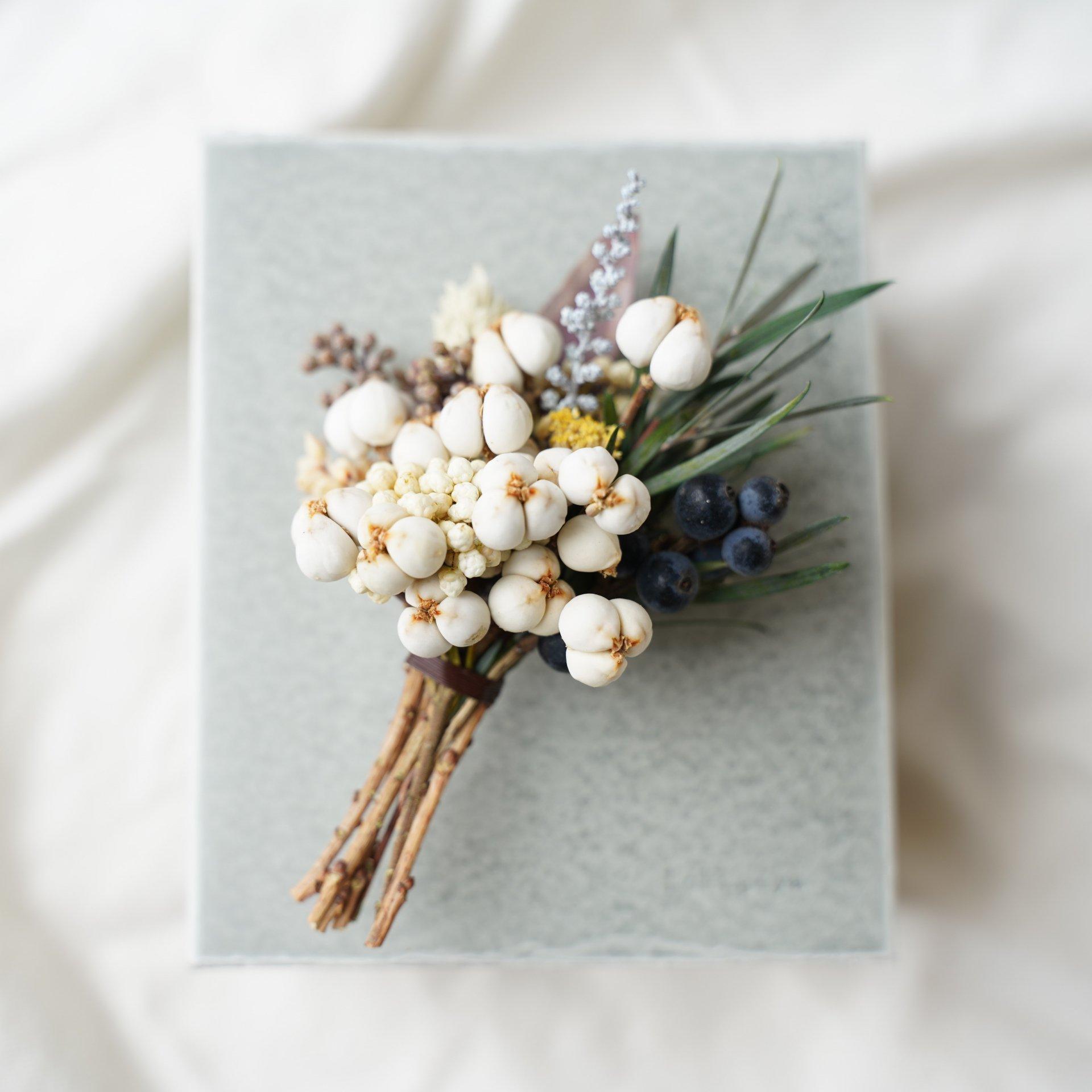 植物のコサージュ