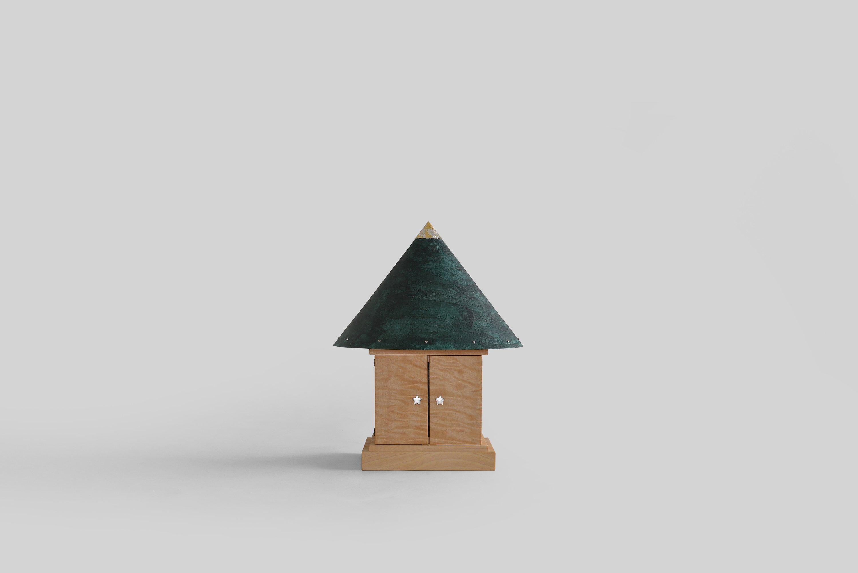 円錐屋根の厨子