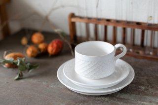クイストゴー Cordial Palet(コーディアル パレット)ホワイト トリオ カップ&ソーサー &ケーキプレート