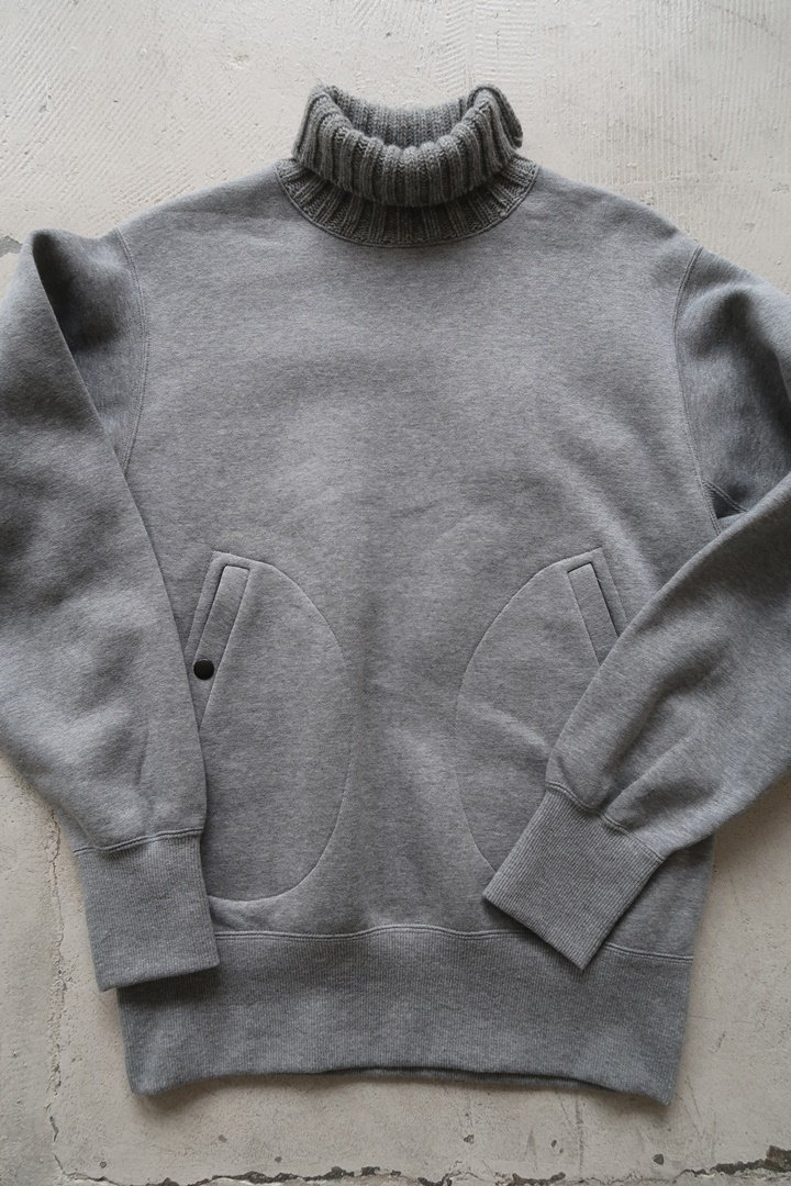 KeyHole KA021 Turtleneck SweatShirt[Gray]