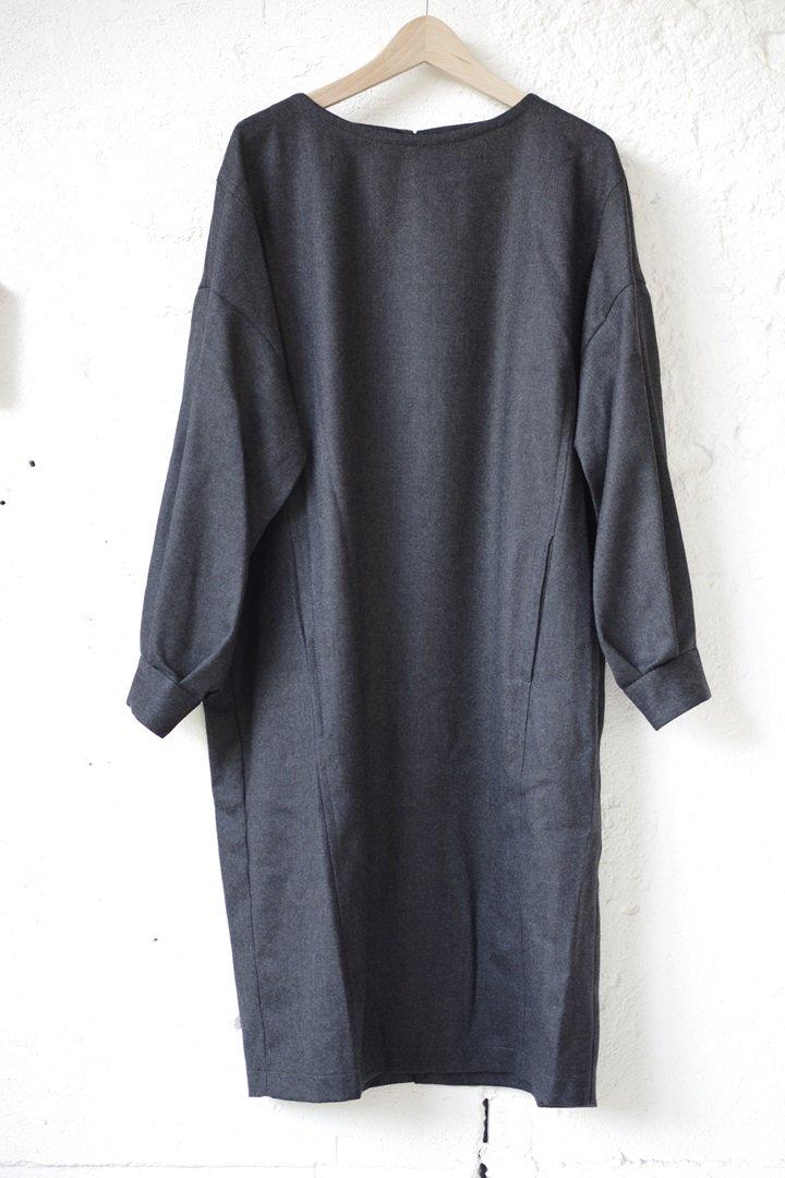 BLUE BLUE JAPAN 700063343 ウールフラノプルオーバーワイドワンピース[C GREY]