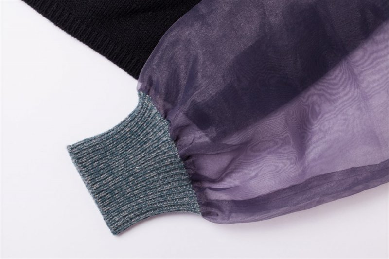 THE SEE-THROUGH SLEEVE BICOLOR KNIT(BLUE PURPLE)
