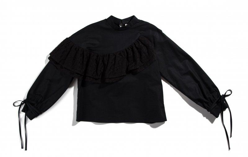 THE FLOWER FRILL SHIRT (BLACK)<img class='new_mark_img2' src='https://img.shop-pro.jp/img/new/icons21.gif' style='border:none;display:inline;margin:0px;padding:0px;width:auto;' />