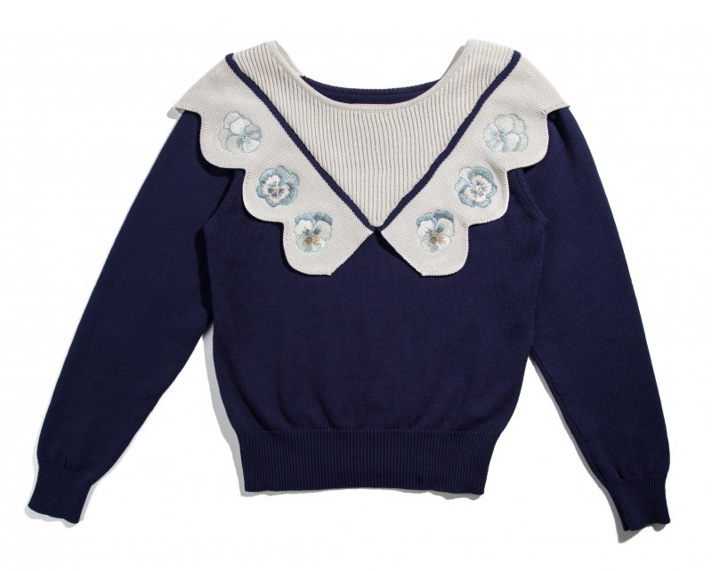 THE ORIGINAL PANSY EMBROIDERY SCALLOP KNIT