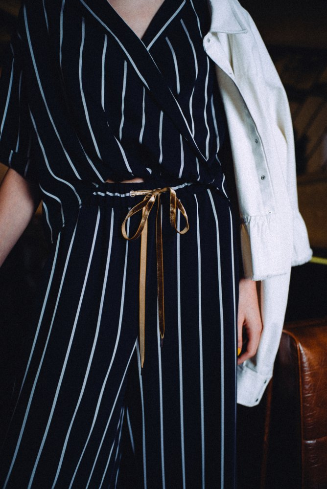 THE STRIPE EASY WIDE PANTS (NAVY)
