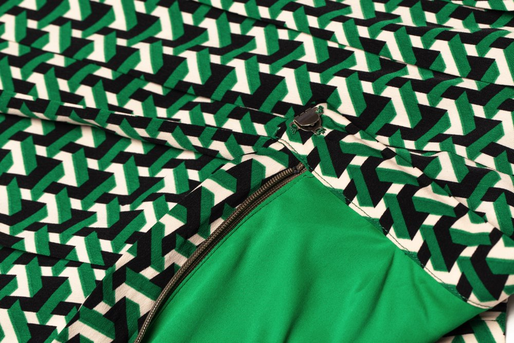 THE GEOMETRIC PATTERN PLEATED SKIRT (GREEN)
