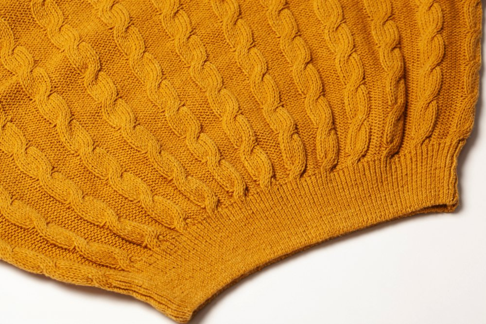 THE DOLMAN SLEEVE CABLE KNIT (MUSTARD YELLOW)