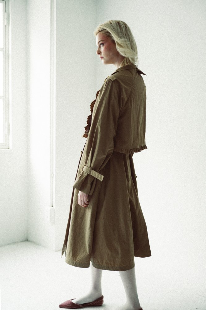 THE BICOLOR PETIT PLEATS TRENCH COAT