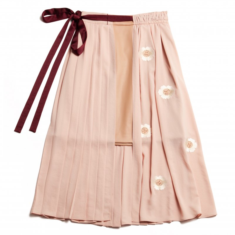 GYF TOKYO - THE ORIGINAL EMBROIDERY PLEATED SKIRT (BEIGE)