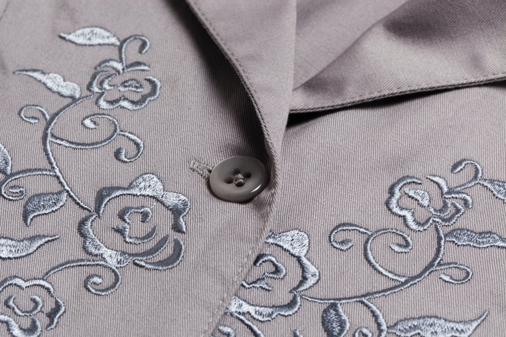 THE BUCKLE SLEEVE EMBROIDERY TOPS(GREY)