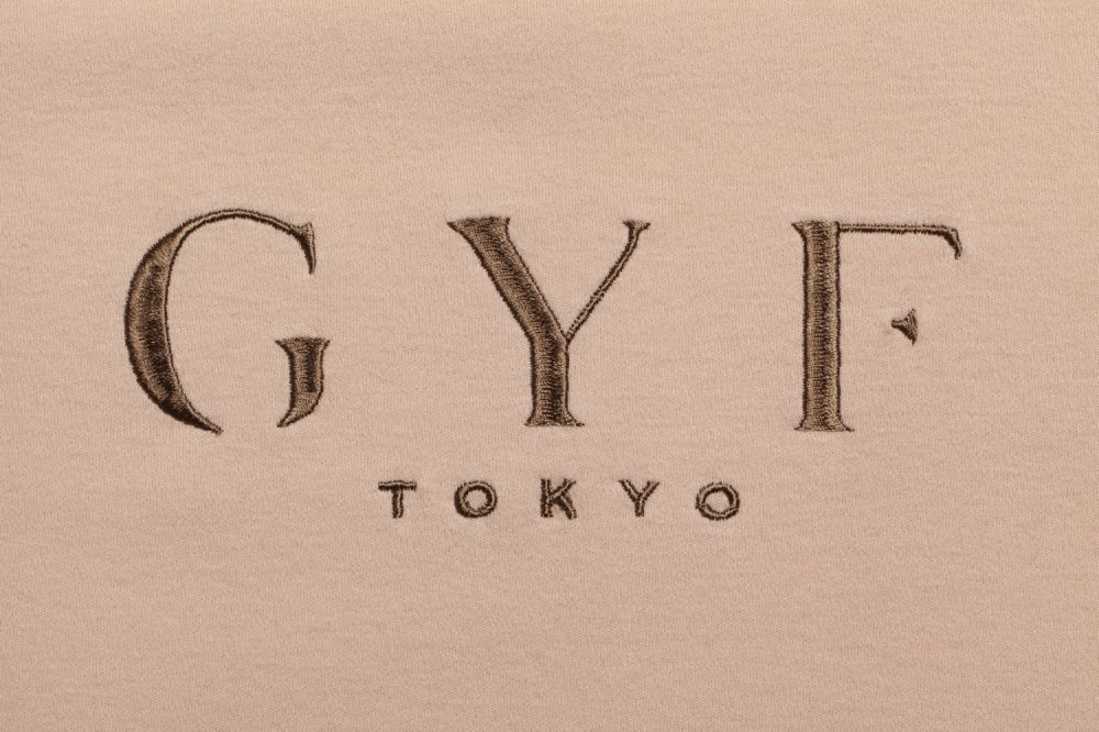 THE GYF ORIGINAL LOGO EMBROIDERY SUPER BIG T-SHIRT(BEIGE)<img class='new_mark_img2' src='https://img.shop-pro.jp/img/new/icons21.gif' style='border:none;display:inline;margin:0px;padding:0px;width:auto;' />