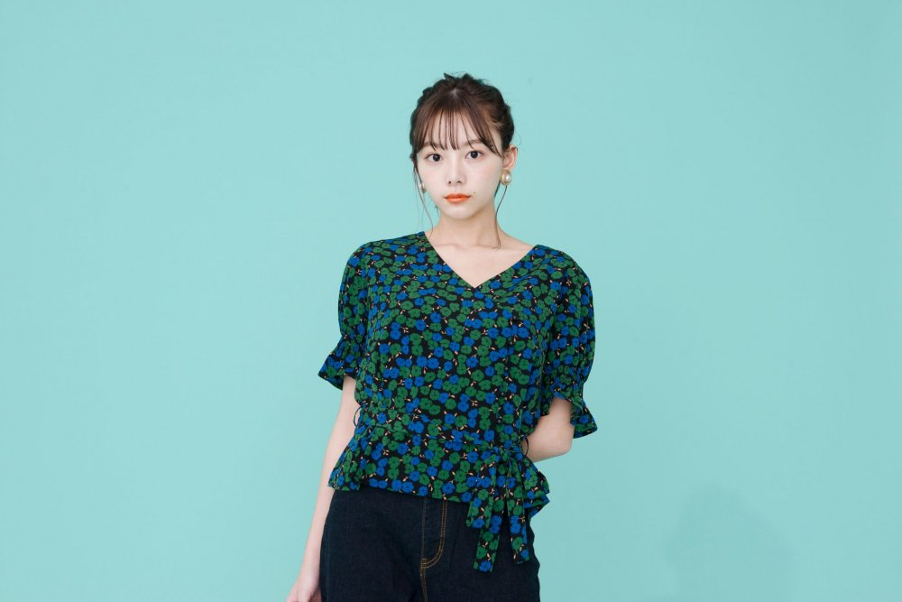 THE CROSSOVER TOPS(FLOWER PATTERN)