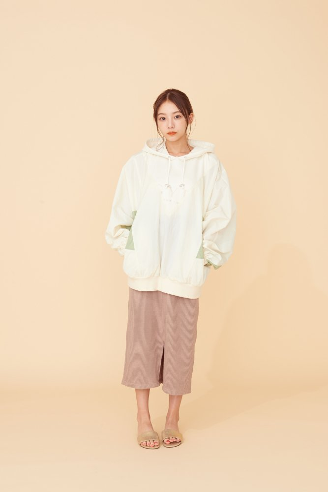 THE GYF LOGO HOODED PULLOVER(PINK)<img class='new_mark_img2' src='https://img.shop-pro.jp/img/new/icons21.gif' style='border:none;display:inline;margin:0px;padding:0px;width:auto;' />