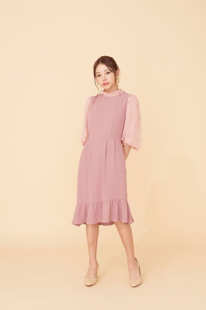 THE PEARL VOLUME SLEEVE OCCASION DRESS(PINK BEIGE)<img class='new_mark_img2' src='https://img.shop-pro.jp/img/new/icons21.gif' style='border:none;display:inline;margin:0px;padding:0px;width:auto;' />