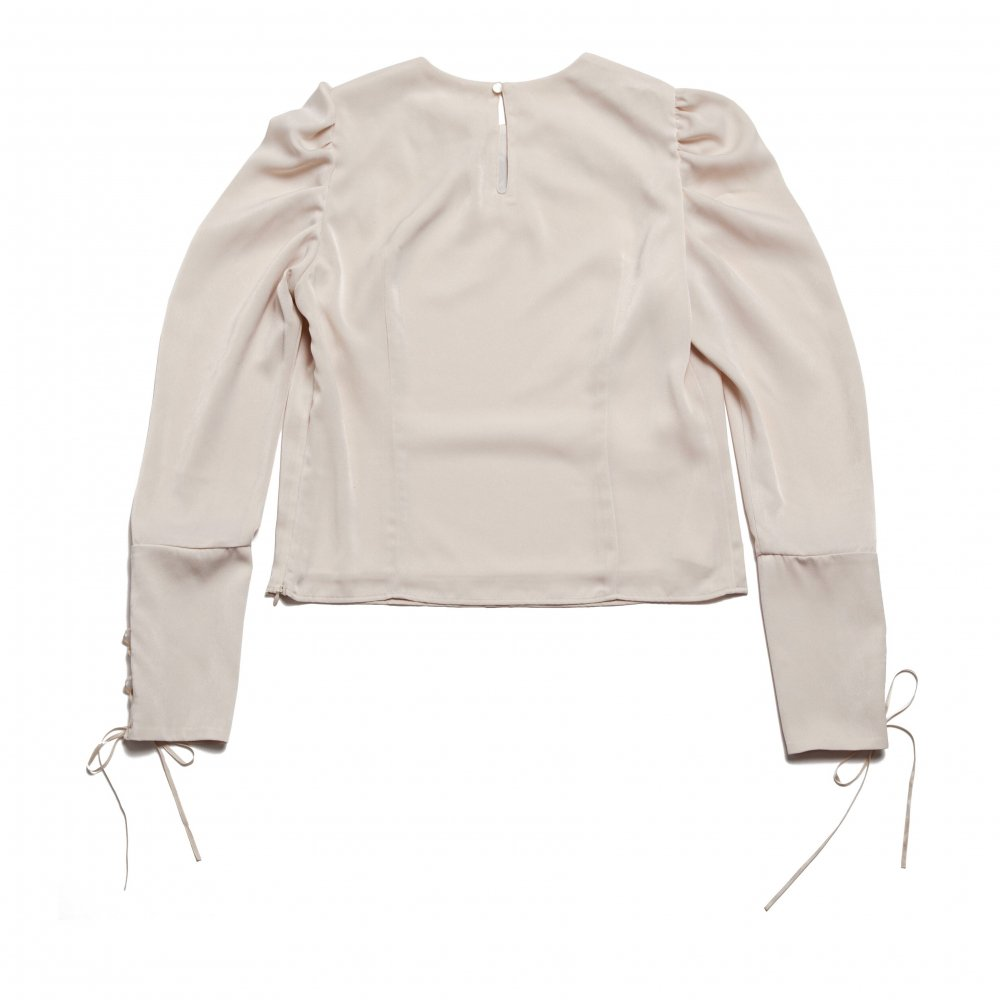 THE FLOWER EMBROIDERY POWER SHOLDER TOPS (IVORY)