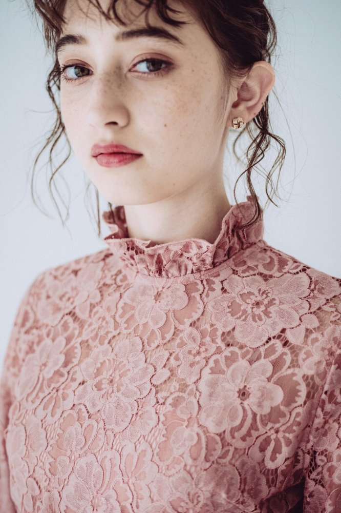 THE BACK PEARL LACE DRESS (PINK)