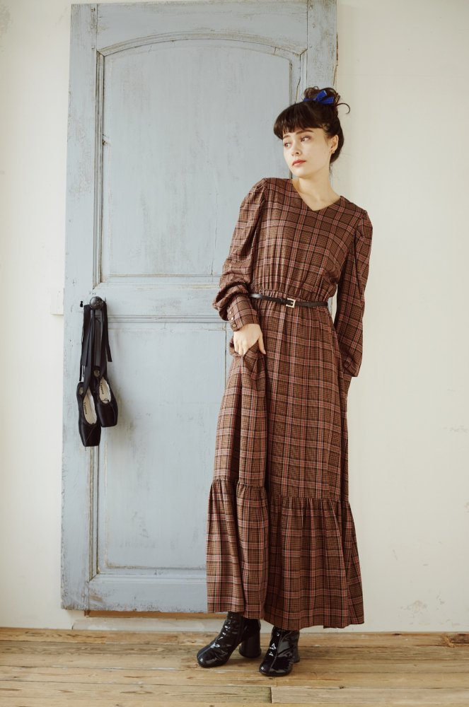 THE BIG CHECK PATTERN DRESS WITH BELT (BROWN)<img class='new_mark_img2' src='https://img.shop-pro.jp/img/new/icons21.gif' style='border:none;display:inline;margin:0px;padding:0px;width:auto;' />
