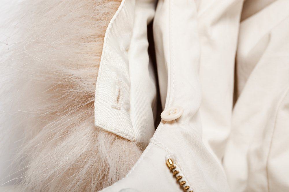 THE  FUR HOODED MATTE DOWN JACKET (OFF WHITE)