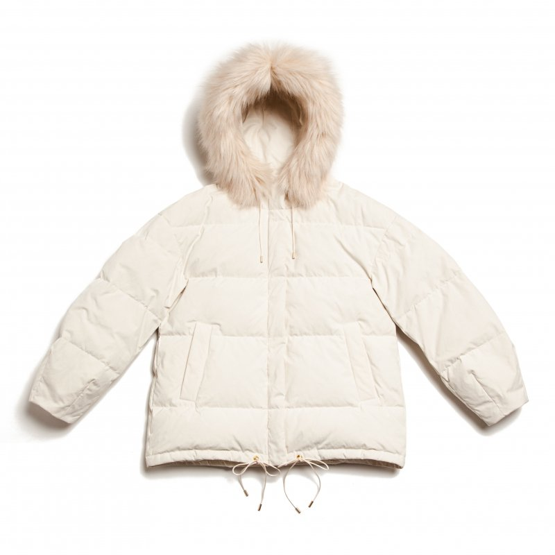 GYF TOKYO - THE  FUR HOODED MATTE DOWN JACKET (OFF WHITE)