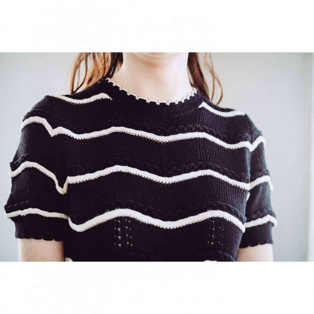 THE SPRING KNIT PEPLUM TOPS(BLACK)<img class='new_mark_img2' src='https://img.shop-pro.jp/img/new/icons21.gif' style='border:none;display:inline;margin:0px;padding:0px;width:auto;' />