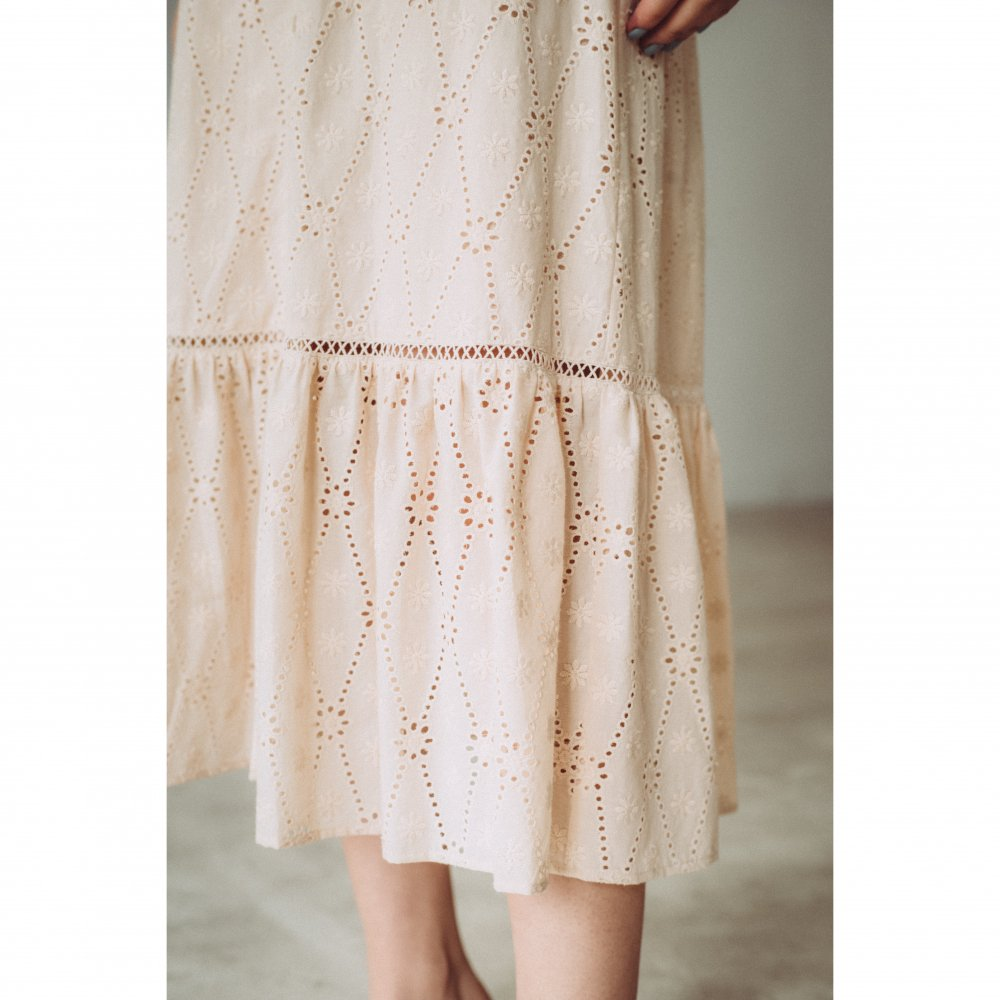 THE COTTON LACE VOLUME SLEEVE DRESS(BEIGE)