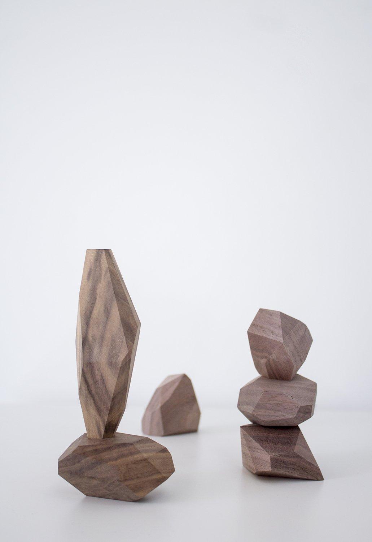 BUILDING BLOCK-walnut
