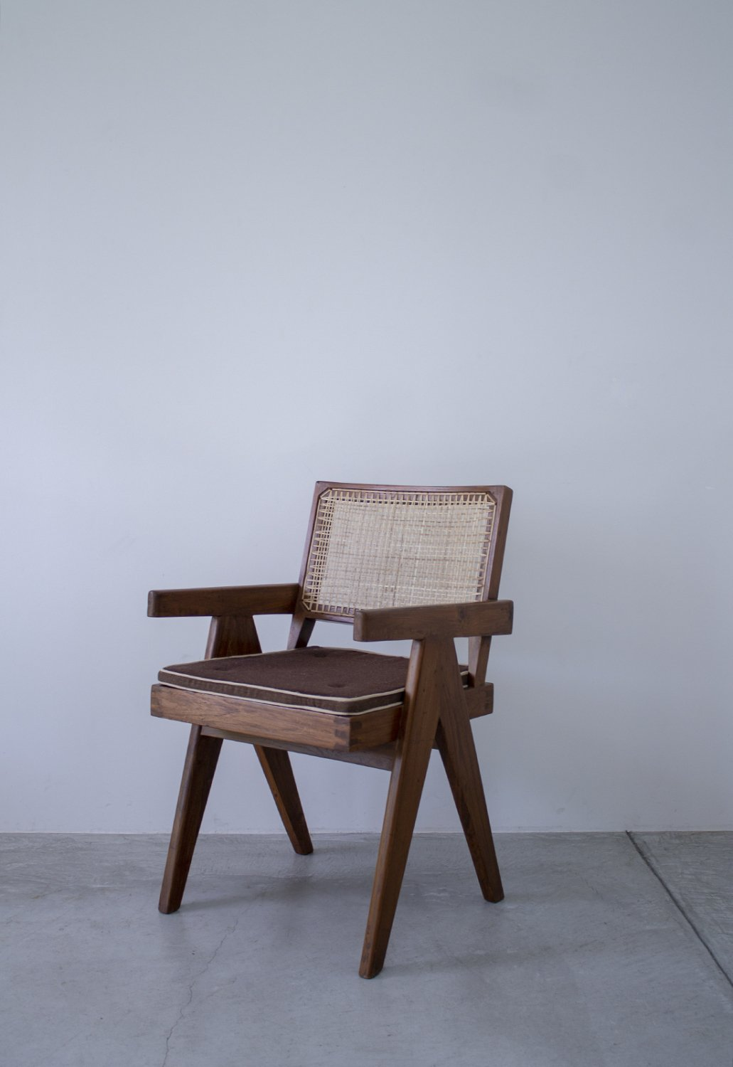 Pierre Jeanneret -V-leg Office Chair