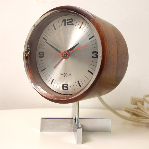 Table/Desk Clock Model No.663