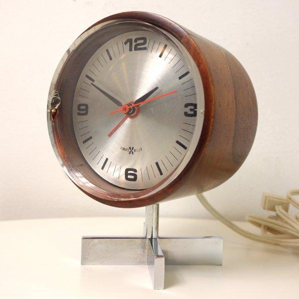Table/Desk Clock Model No.663