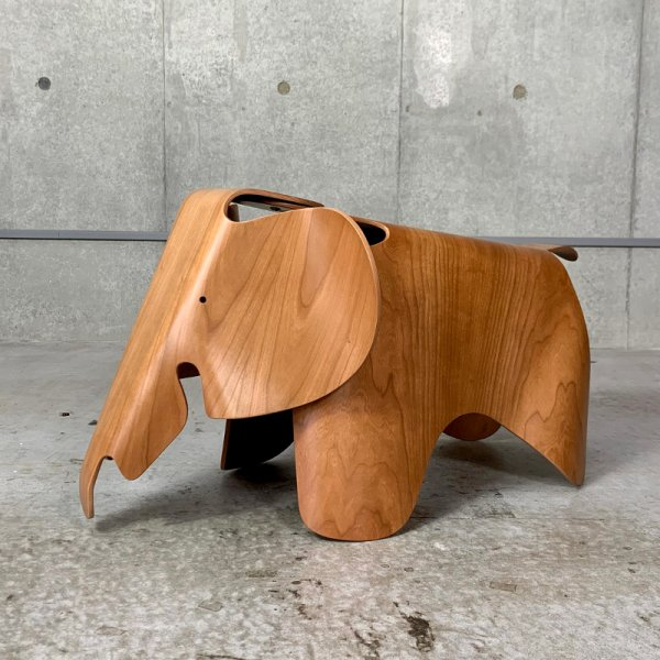 Eames Elephant (Plywood)<img class='new_mark_img2' src='//img.shop-pro.jp/img/new/icons59.gif' style='border:none;display:inline;margin:0px;padding:0px;width:auto;' />