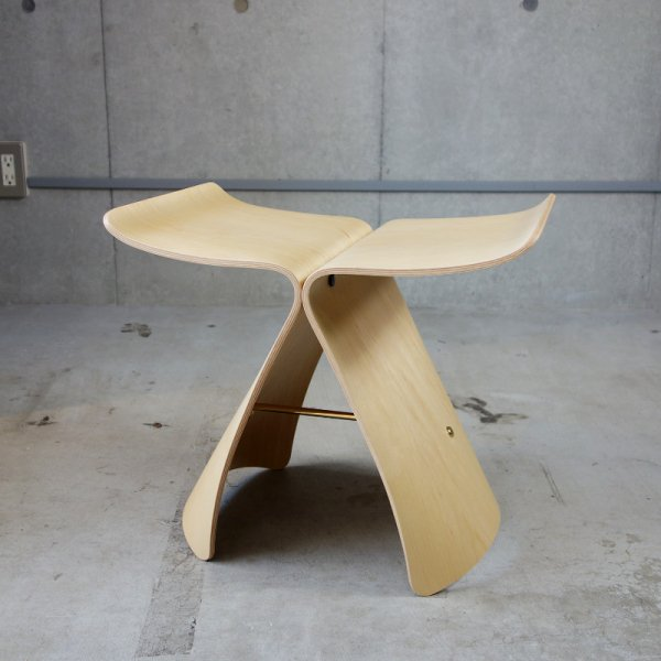 Butterfly Stool / Maple<img class='new_mark_img2' src='https://img.shop-pro.jp/img/new/icons5.gif' style='border:none;display:inline;margin:0px;padding:0px;width:auto;' />