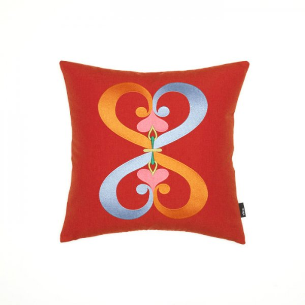 Embroidered Pillow / Double Heart<img class='new_mark_img2' src='//img.shop-pro.jp/img/new/icons20.gif' style='border:none;display:inline;margin:0px;padding:0px;width:auto;' />