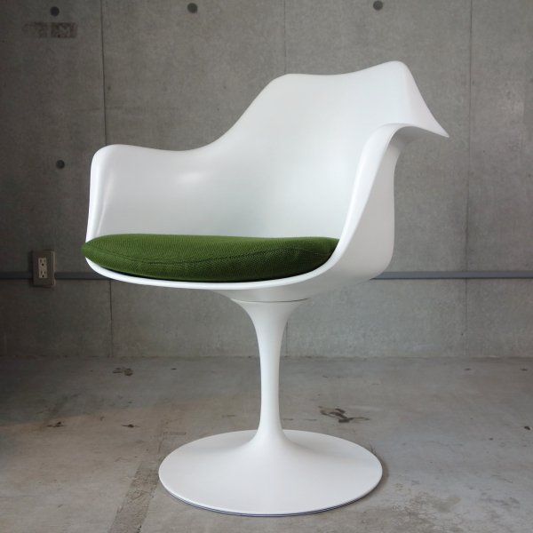 Tulip Arm Chair<img class='new_mark_img2' src='https://img.shop-pro.jp/img/new/icons47.gif' style='border:none;display:inline;margin:0px;padding:0px;width:auto;' />