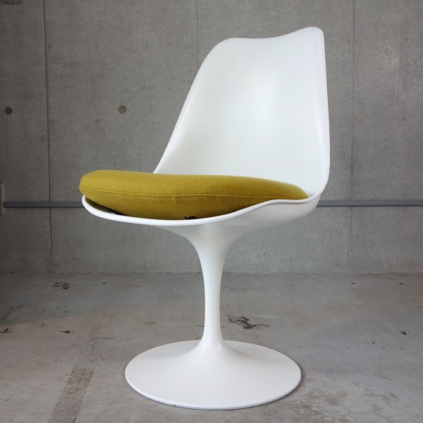 Tulip Side Chair<img class='new_mark_img2' src='https://img.shop-pro.jp/img/new/icons47.gif' style='border:none;display:inline;margin:0px;padding:0px;width:auto;' />