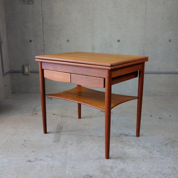 Flip Flop Table