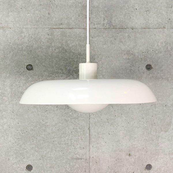 RA-24 Pendant Lamp
