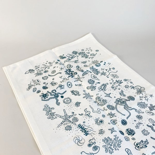 Table Runner / Sea Things<img class='new_mark_img2' src='https://img.shop-pro.jp/img/new/icons5.gif' style='border:none;display:inline;margin:0px;padding:0px;width:auto;' />