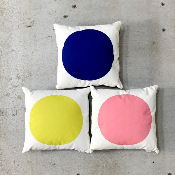 Graphic Print Pillows / Circle