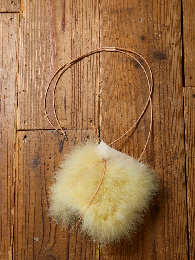 Feather Pochette