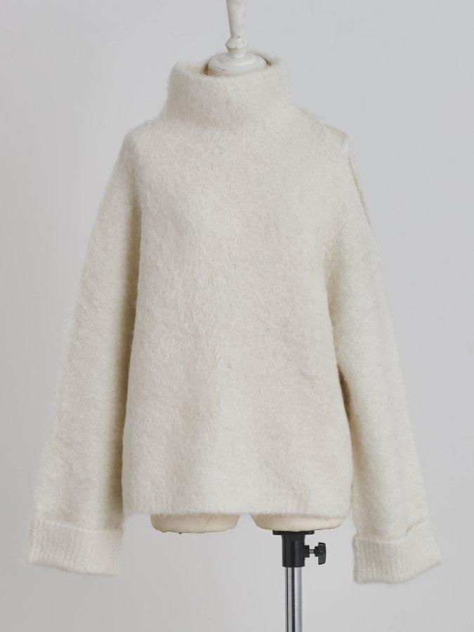 Alpaca One-shoulder Pullover