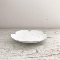 白釉花皿|黒木泰等