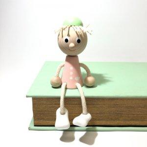 チェコの木の人形 パステルカラー 少女