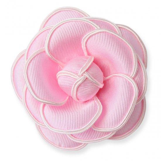 今おすすめの ピンク系カラーのコサージュ【画像4】