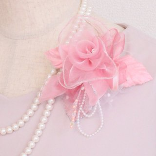 コサージュ   パール 装飾 つき ピンク 巻きバラ コサージュ パール 下がりつき ケース付き