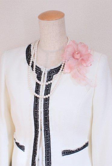 ピンク 花びら 下がりつき シルク コサージュ 正絹 ケース付き【画像2】