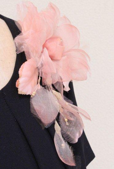 ピンク 花びら 下がりつき シルク コサージュ 正絹 ケース付き【画像6】