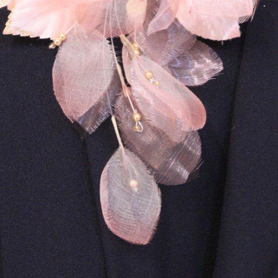 ピンク 花びら 下がりつき シルク コサージュ 正絹 ケース付き【画像8】