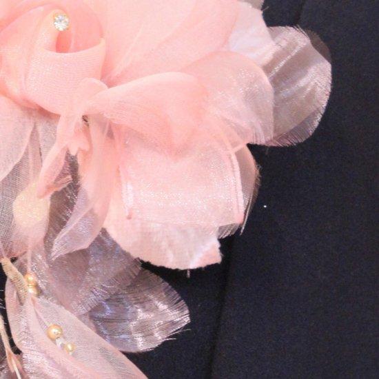 ピンク 花びら 下がりつき シルク コサージュ 正絹 ケース付き【画像9】