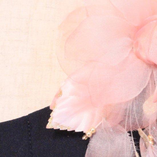 ピンク 花びら 下がりつき シルク コサージュ 正絹 ケース付き【画像10】