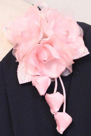 ピンク 小さい バラ 三輪 蕾 下がりつき コサージュ ケース付き【画像5】